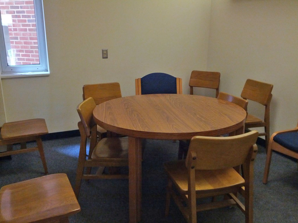 Davis Library Fourth Floor Study Room