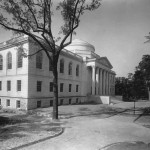 A black and white view of the northeast corner of the front of Wilson Library.