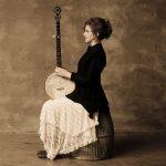 Abigail Washburn holding banjo